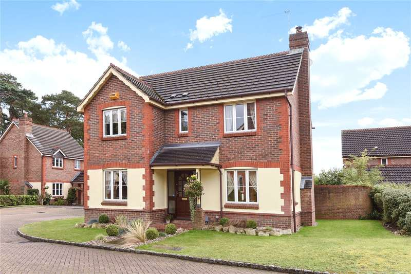 3 Bedrooms Detached House for sale in Francis Way, Camberley, Surrey, GU15