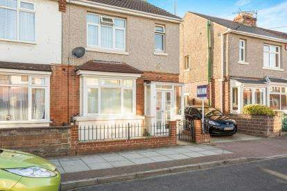 3 Bedrooms Semi Detached House for sale in Portsmouth, Hampshire, England
