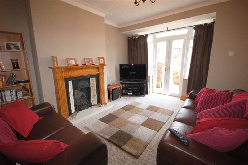 3 Bedrooms Semi Detached House for sale in Hodges Street, Springfield, Wigan, WN6