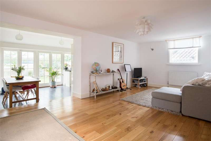 3 Bedrooms Semi Detached House for sale in Canterbury Road, Wingham, Canterbury, Kent