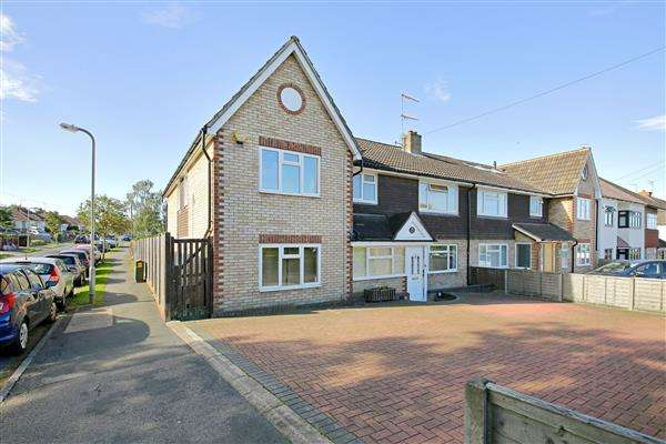 6 Bedrooms Semi Detached House for sale in Furzehill Road, Borehamwood