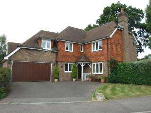 5 Bedrooms Detached House for sale in Steellands Rise, Ticehurst, Wadhurst, East Sussex