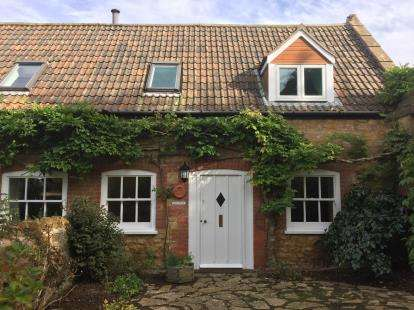 2 Bedrooms End Of Terrace House for sale in The Drive, Over Compton, Dorset