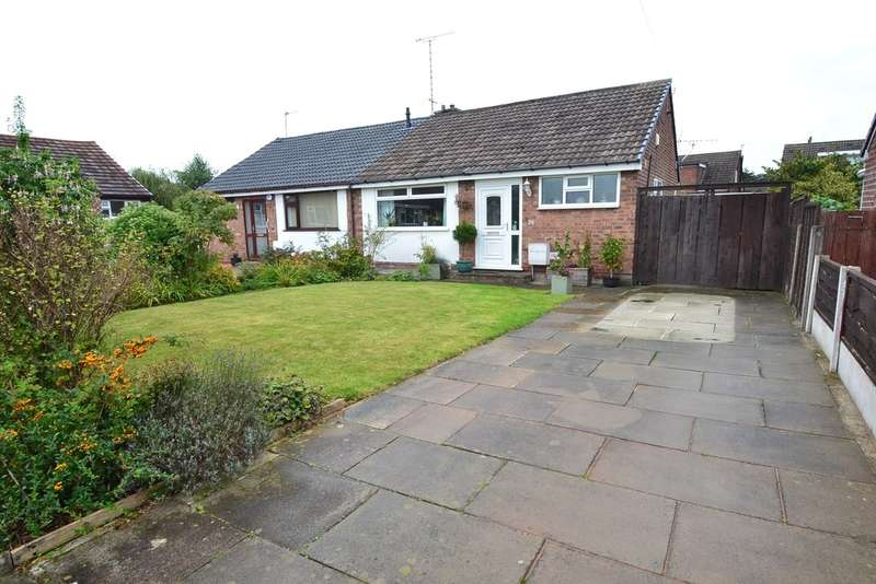 2 Bedrooms Semi Detached Bungalow for sale in Woodcroft, Offerton, Stockport SK2 5QR