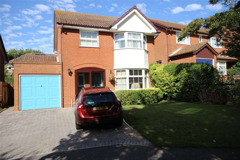 4 Bedrooms Detached House for sale in Goodwood Close, Alton, Hampshire, GU34