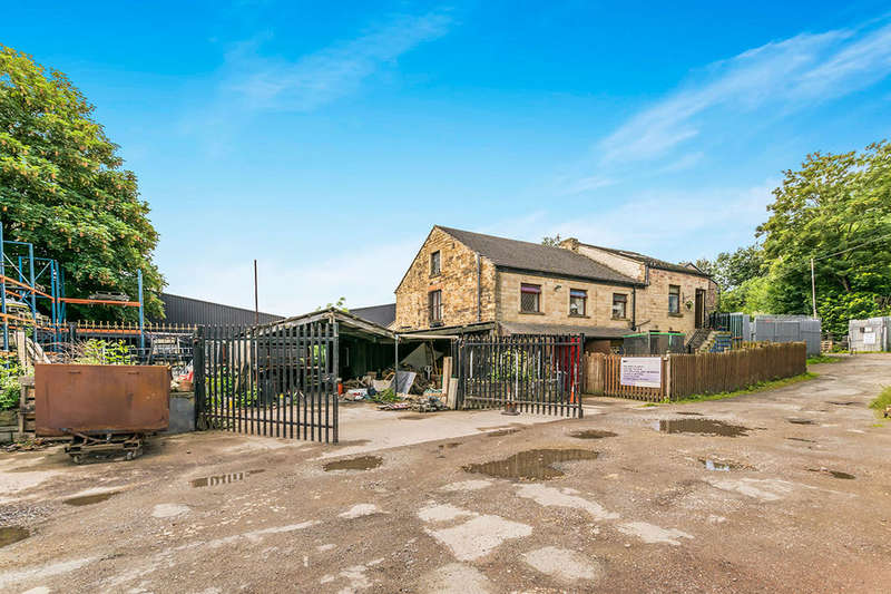 4 Bedrooms Detached House for sale in Firths Yard Mill Road, DEWSBURY, WF13