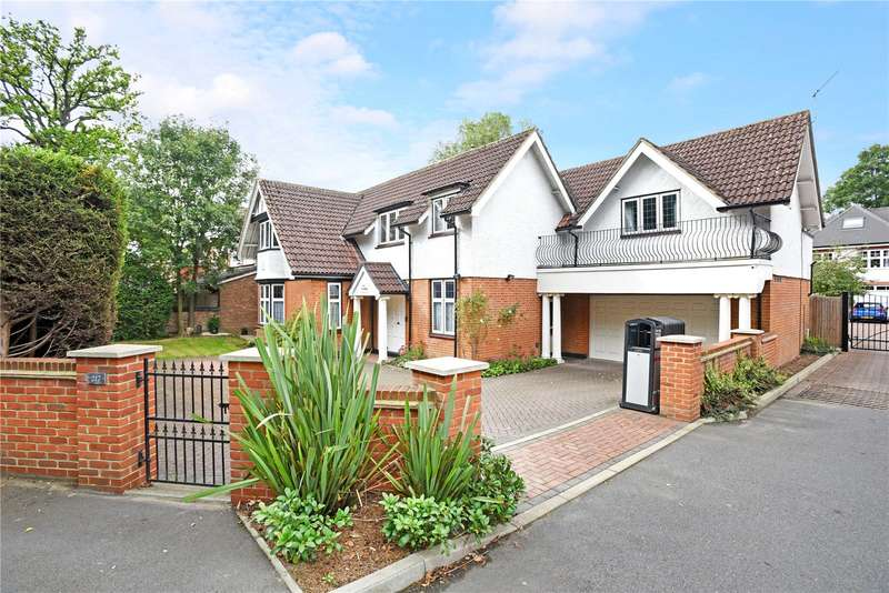 5 Bedrooms Detached House for sale in Charlton Road, Shepperton, Surrey, TW17