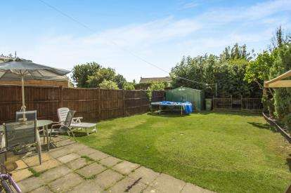 4 Bedrooms Semi Detached House for sale in Spinney Avenue, Countesthorpe, Leicester, Leicestershire