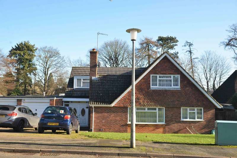 5 Bedrooms Detached Bungalow for sale in Boxmoor, Hemel Hempstead