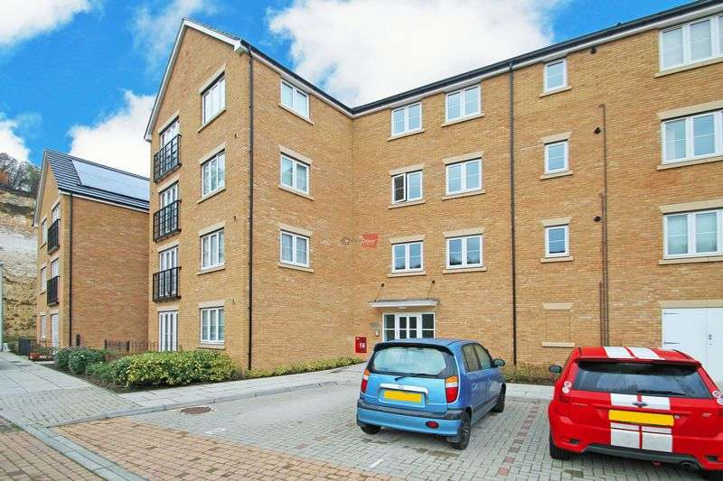 1 Bedroom Flat for sale in Whitehead Drive, Medway Gate, Strood
