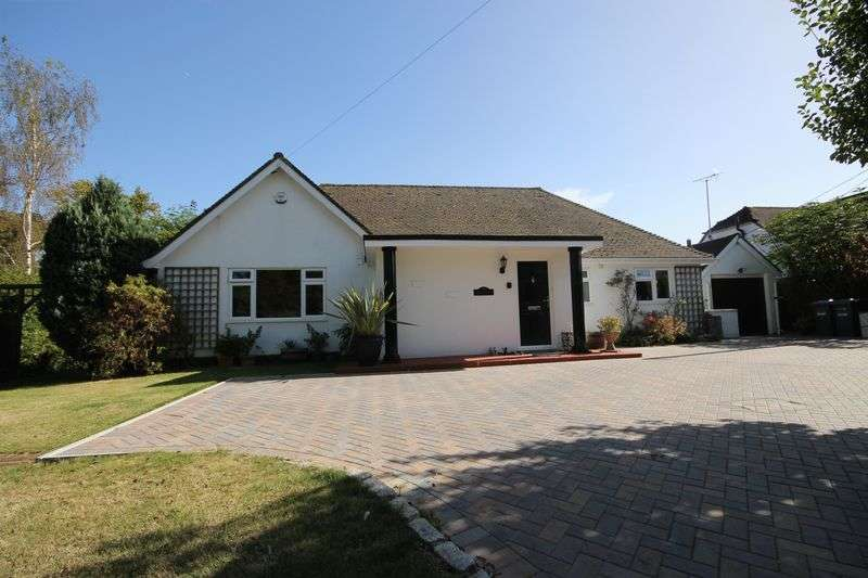 3 Bedrooms Detached Bungalow for sale in Keymer Road, Burgess Hill, West Sussex