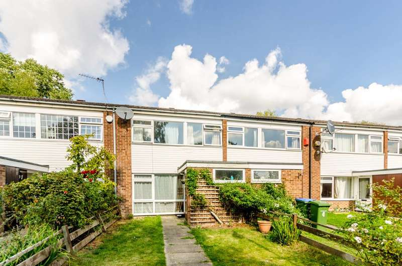 3 Bedrooms Terraced House for sale in Moon Court, Lee, SE12