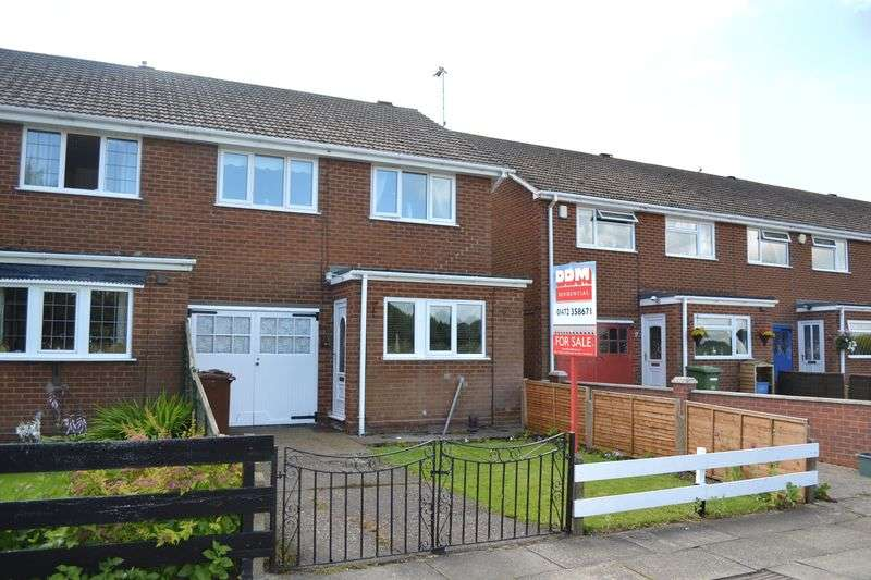 3 Bedrooms House for sale in Yarrow Road, Grimsby