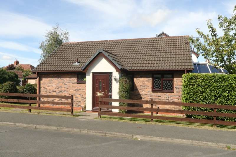 2 Bedrooms Bungalow for sale in The Brambles, Deeside, Flintshire, CH5