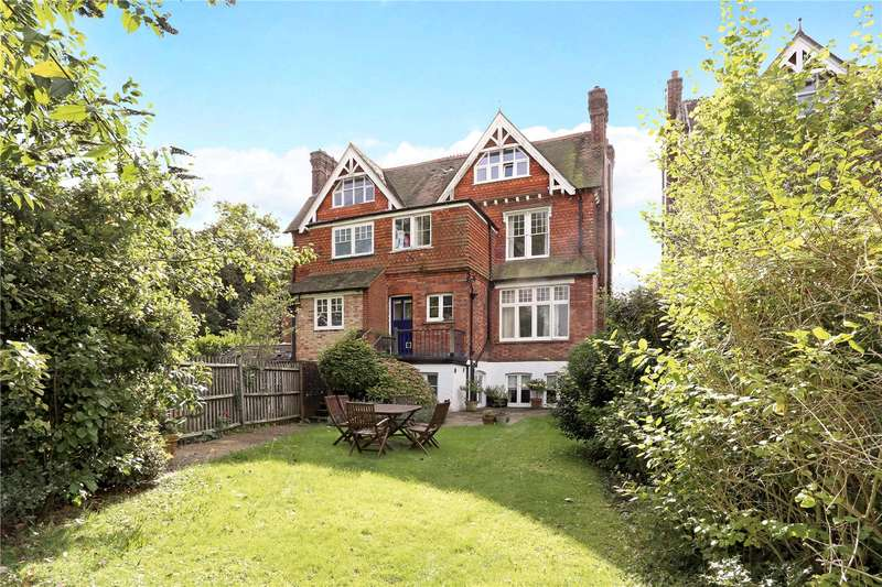1 Bedroom Flat for sale in Knoll Road, Dorking, Surrey, RH4