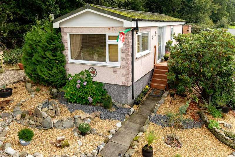 1 Bedroom Park Home Mobile Home for sale in Crossways Park, Howey, Llandrindod Wells