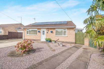 4 Bedrooms Bungalow for sale in Kingfisher Road, Whittlesey, Peterborough, Cambridgeshire