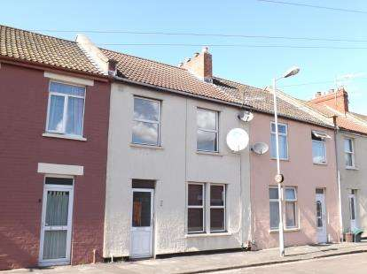 3 Bedrooms Terraced House for sale in Napier Road, Avonmouth, Bristol
