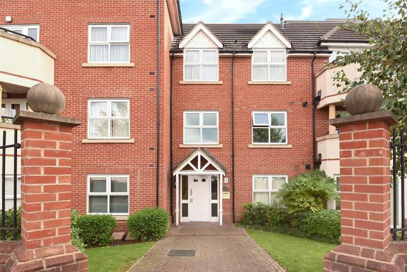 1 Bedroom Apartment Flat for sale in Merrion Court, 34 Pembroke Road, Ruislip, Middlesex, HA4