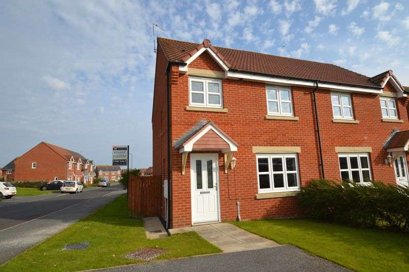 3 Bedrooms Semi Detached House for sale in Beachcroft, Hadston