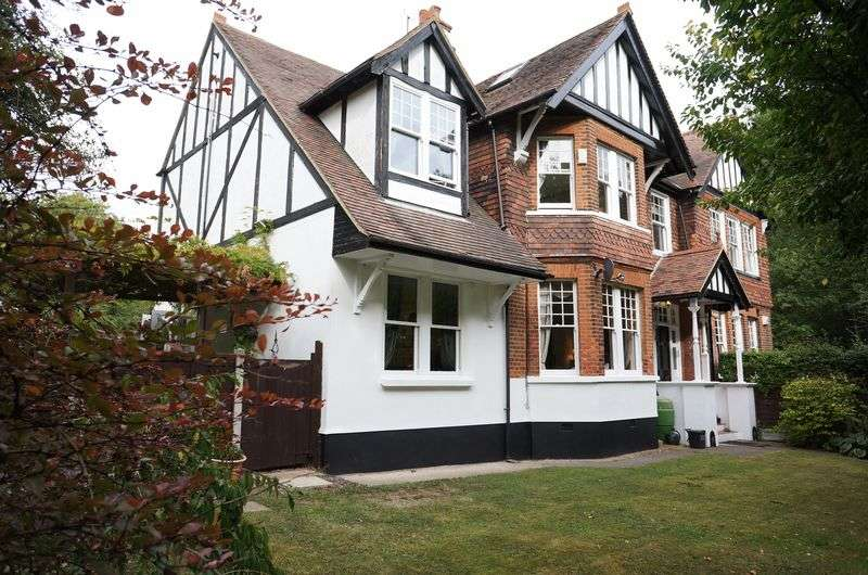 8 Bedrooms Detached House for sale in Catherine Road, Benfleet