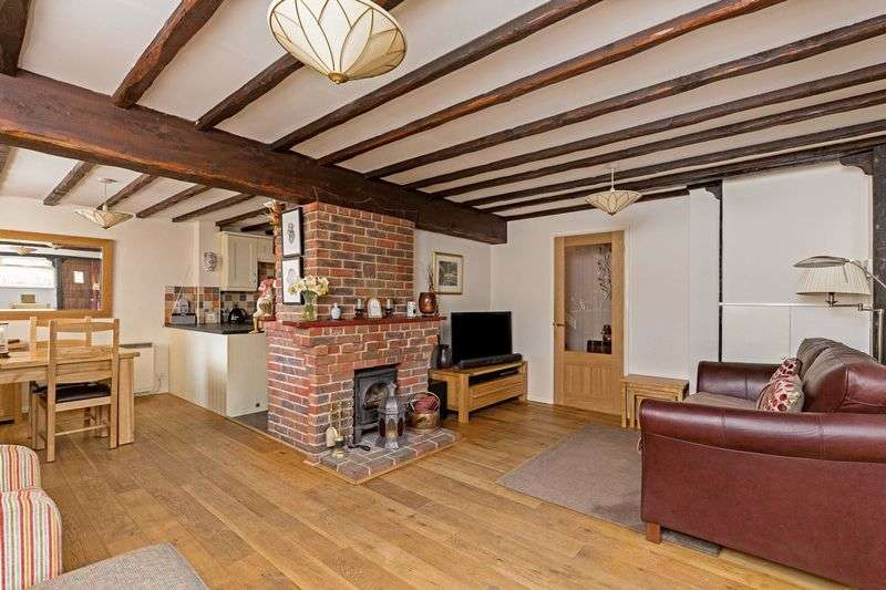 2 Bedrooms Cottage House for sale in East Street, Hambledon, Hampshire