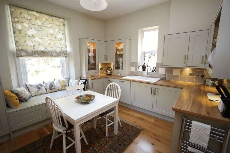 4 Bedrooms Semi Detached House for sale in Woodlands Road, Clevedon