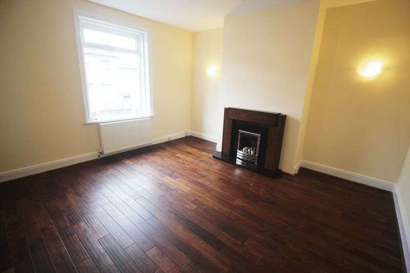3 Bedrooms Terraced House for sale in Clifton Common, Brighouse