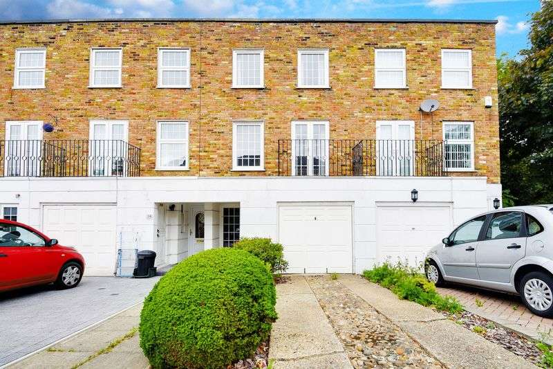 4 Bedrooms Property for sale in High Oaks, Enfield