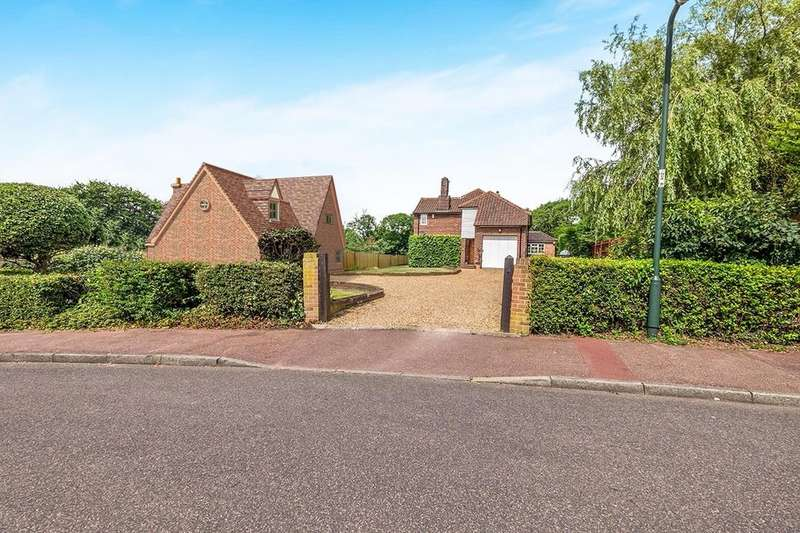 4 Bedrooms Detached House for sale in Northwood Avenue, High Halstow, Rochester, ME3