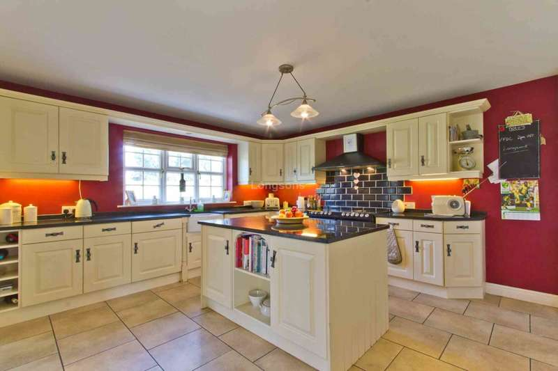3 Bedrooms Detached House for sale in The Street, Marham
