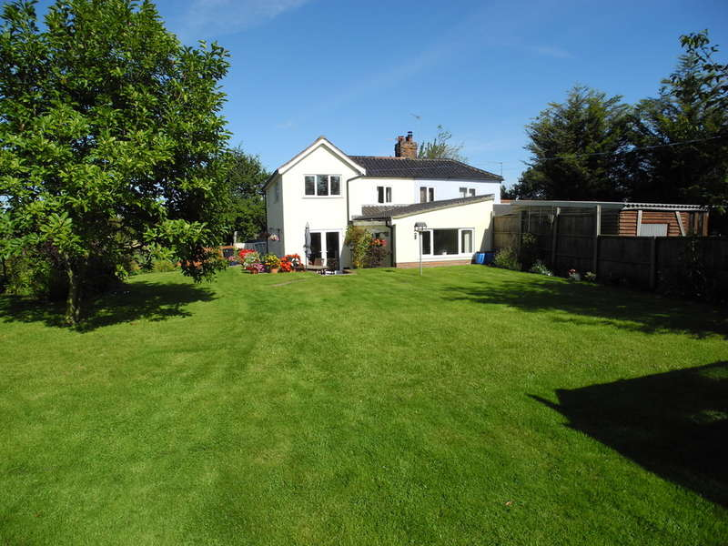 4 Bedrooms Semi Detached House for sale in Bergh Apton, Norwich
