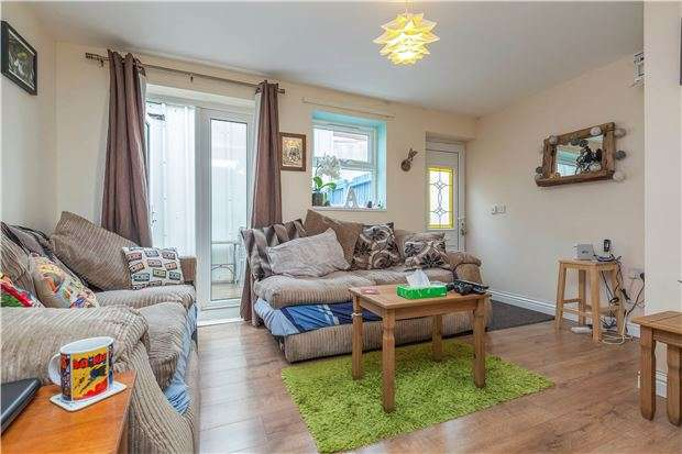 2 Bedrooms Flat for sale in Gloucester Road, Bishopston, Bristol, BS7 8TN
