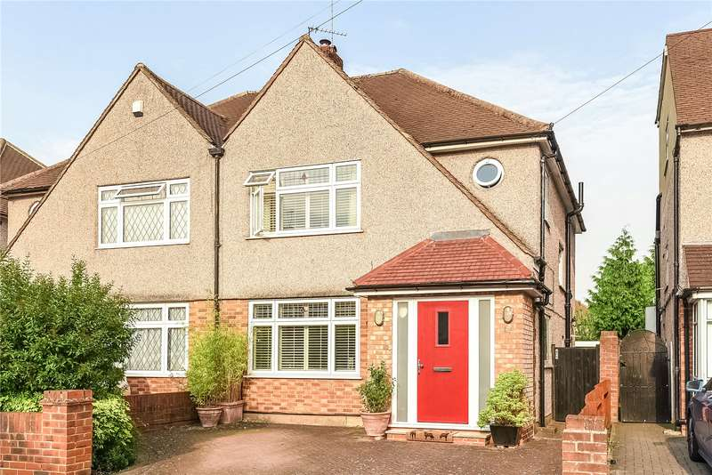 3 Bedrooms Semi Detached House for sale in Clovelly Close, Ickenham, Middlesex, UB10