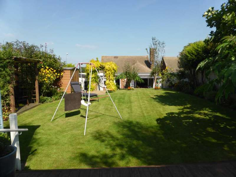 3 Bedrooms Bungalow for sale in Lower Higham Road, Chalk