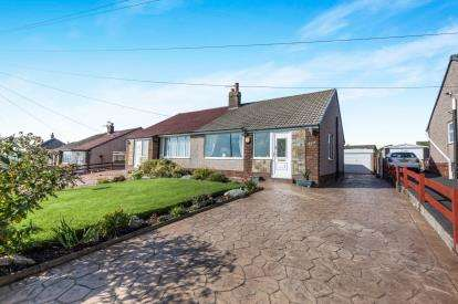 2 Bedrooms Bungalow for sale in Whalley Old Road, Blackburn, Lancashire