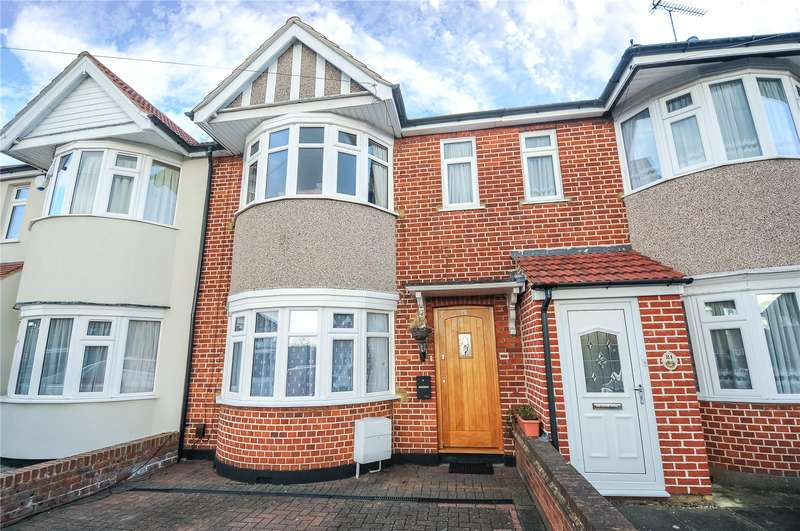 3 Bedrooms Terraced House for sale in Ashburton Road, Ruislip Manor, Middlesex, HA4