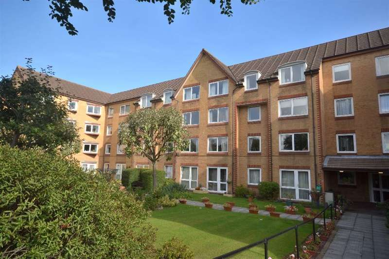 1 Bedroom Property for sale in Cassio Road, Watford, Herts, WD18