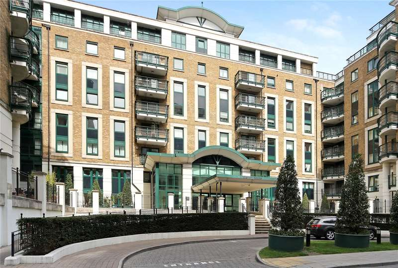 2 Bedrooms Flat for sale in Warren House, Beckford Close, London, W14