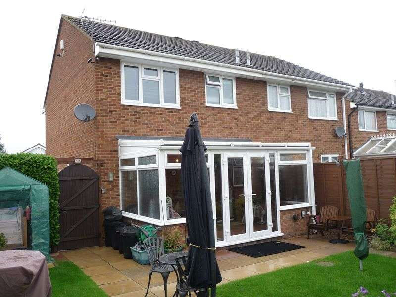 3 Bedrooms Semi Detached House for sale in Wordsworth Avenue, Newport Pagnell