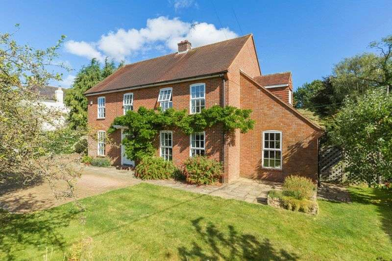 4 Bedrooms Detached House for sale in The Lee Nr. Great Missenden