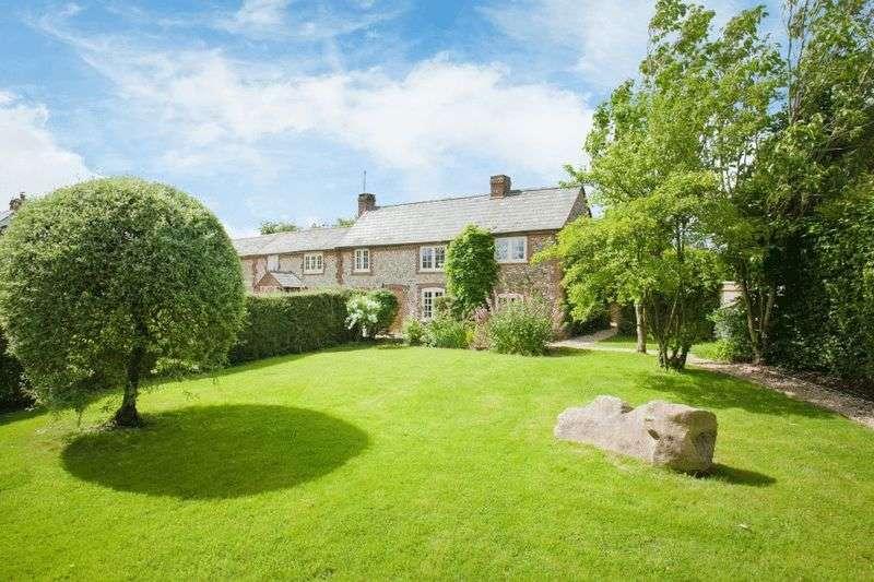 3 Bedrooms Semi Detached House for sale in Speen