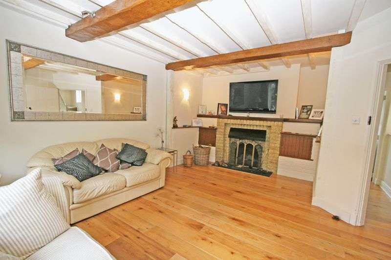 3 Bedrooms Semi Detached House for sale in Mayflower Way, Farnham Common, Buckinghamshire SL2