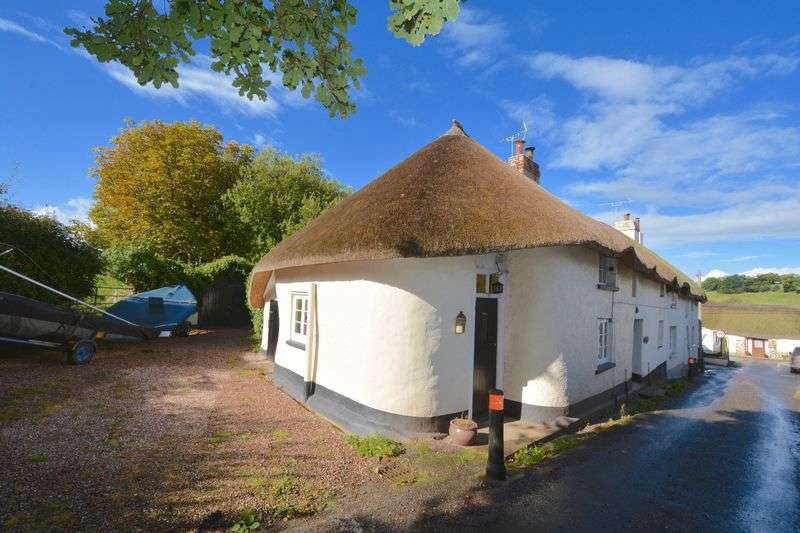 2 Bedrooms Cottage House for sale in Essington, North Tawton, EX20 2DS