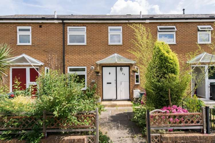 3 Bedrooms Terraced House for sale in Millbank Way Lee SE12