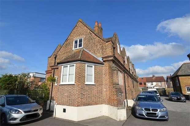 1 Bedroom Flat for sale in Dewhurst Old School, Churchgate, Cheshunt, Hertfordshire
