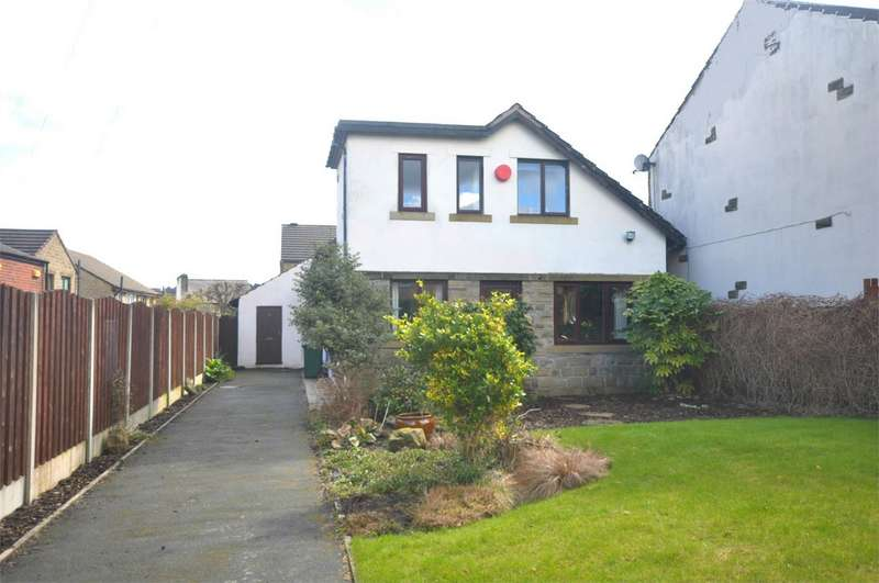 4 Bedrooms Detached House for sale in 4 Heathfield Mews, Golcar, Huddersfield, West Yorkshire
