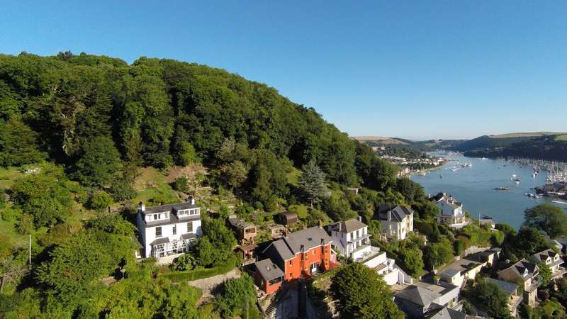 5 Bedrooms Detached House for sale in White Cottage, Swannaton Road, Dartmouth