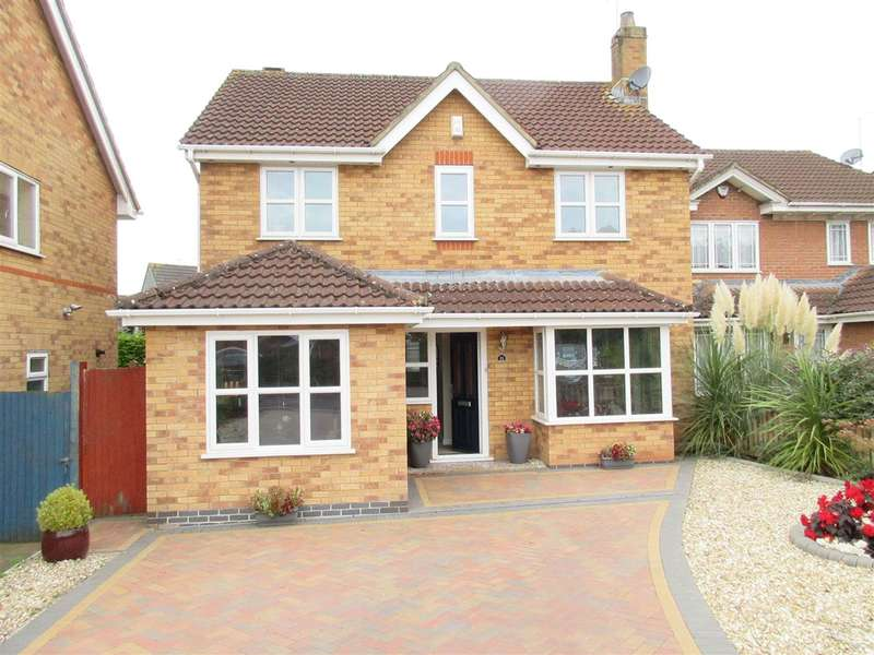 4 Bedrooms Detached House for sale in Fontwell Drive, Downend, Bristol