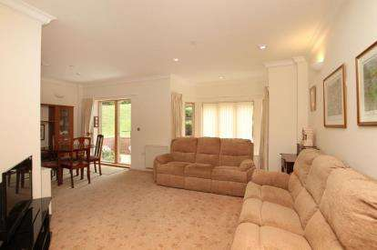 2 Bedrooms Flat for sale in Braemore, 268 Ecclesall Road South, Sheffield
